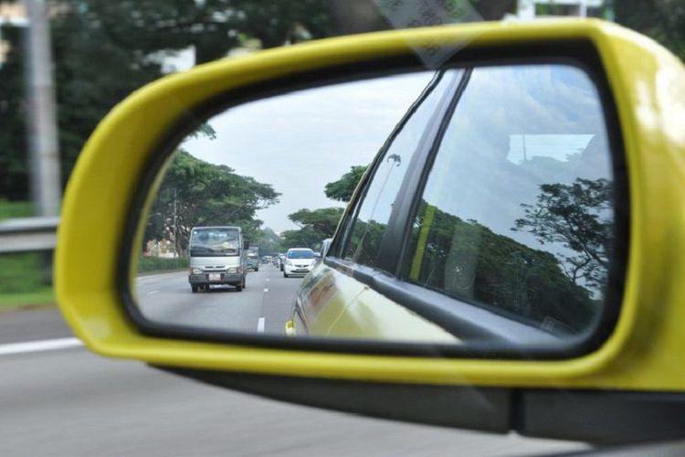 Pahami Posisi Kaca Spion Mobil Yang Paling Tepat Dan Ideal