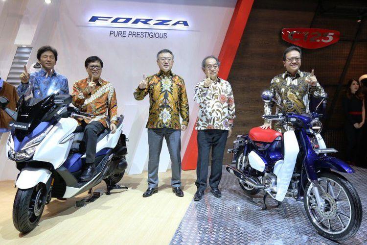 Honda Forza Dan Super Cub C125 Diperkenalkan Di GIIAS 2018