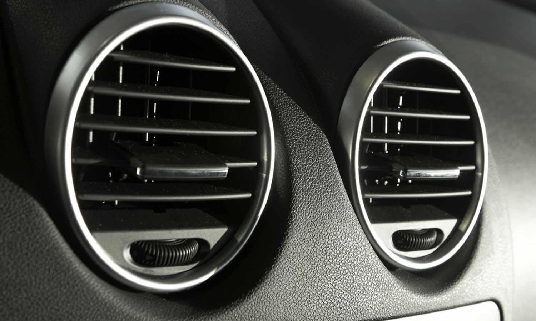 Masalah Yang Paling Sering Terjadi Pada AC Mobil