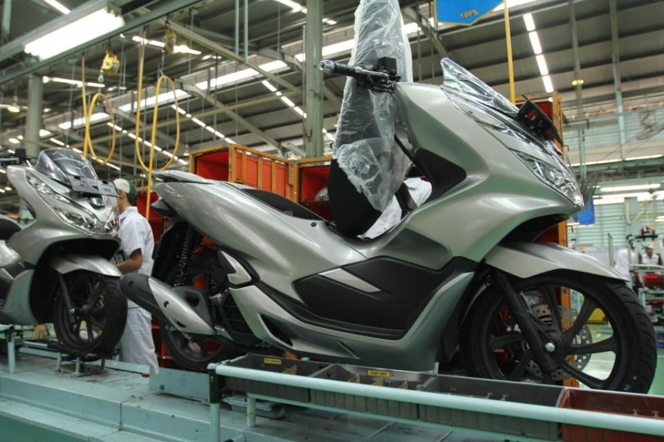 Honda Hadirkan PCX Dengan Warna Baru