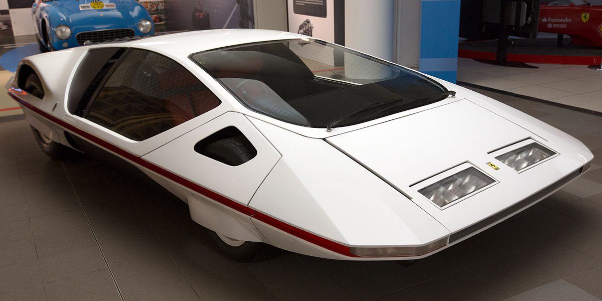 Mobil Jadul Keluaran Ferrari Terlihat Seperti Melayang